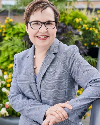 Headshot of Cheryl Montgomery