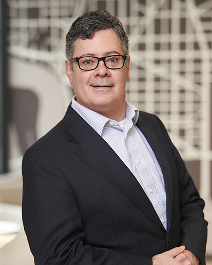 Headshot of Peter Osmanski
